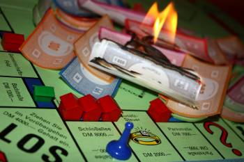 Globales Monopoly: die Finanzkrise hat die Politik im Griff